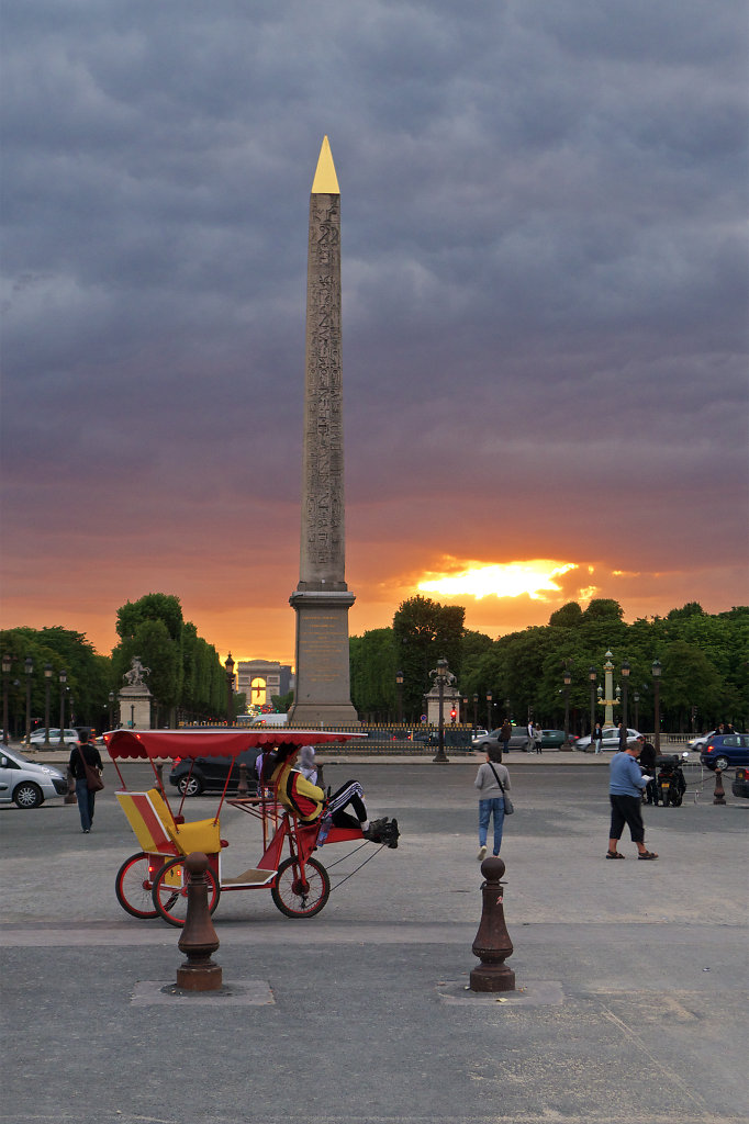 Sundown at Place de la Concorde