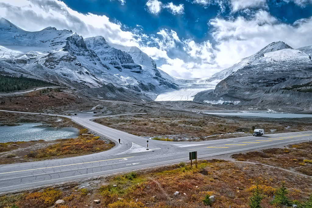 Columbia Icefield Glacier at Icefields Parkway